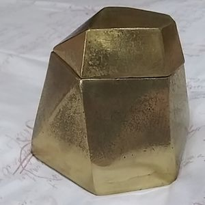 Jewerly gold box.